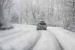 How to Drive in the Snow and Ice Safely in the Treasure Valley